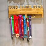 Деревянная спортивная медальница с гравировкой от Feeling Wood