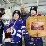 Победители-Кубка-Губернатора-по-хоккею-2016-с-медальницей-от-Feelig-Wood