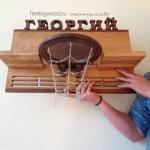 Деревянная спортивная медальница полка для кубков баскетбол от Feeling Wood