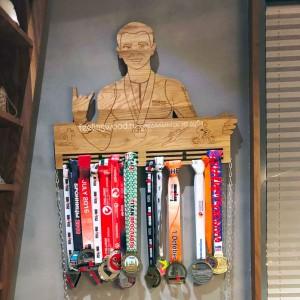 медальница портрет по фото держатель для медалей от Feeling Wood
