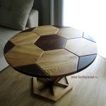 Деревянный-кофейный-журнальный-стол-футбольный-мяч-из-массива-от-Feeling-Wood